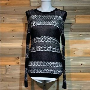 Small Express black and white top